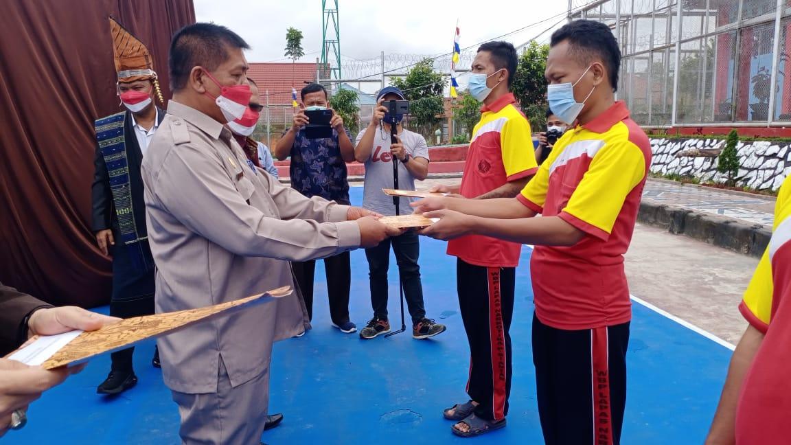 Pengadilan Negeri Simalungun menghadiri acara Pemberi Remisi dalam rangka Hari Kemerdekaan RI Ke-76 bersama Warga Binaa